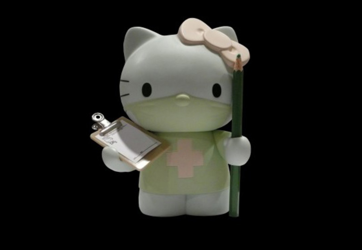 dr-romanelli-x-hello-kitty-x-medicom-toy-co-1