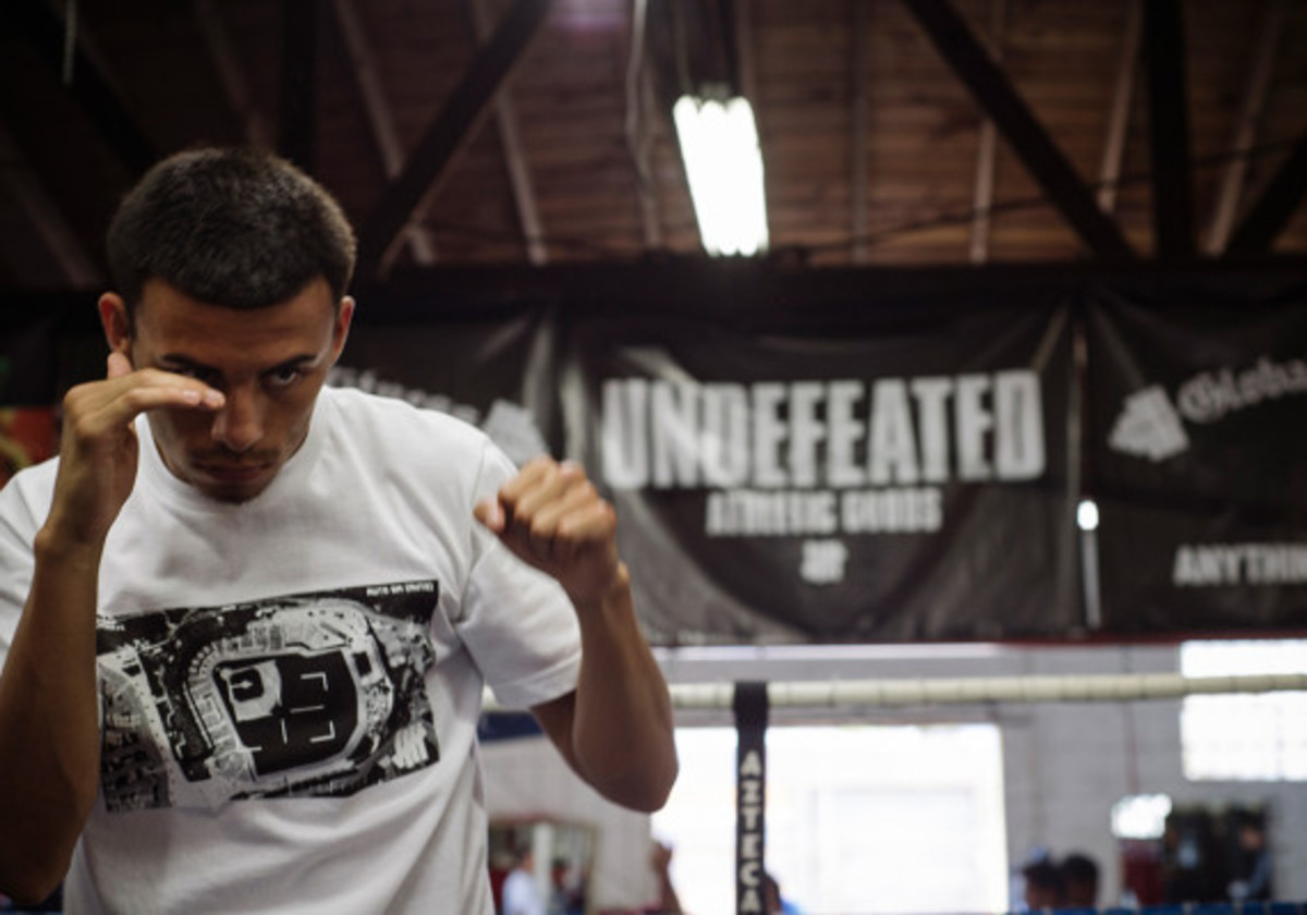 """UNDEFEATED - Summer 2014 """"Throw The Game"""" Collection Lookbook - 6"""