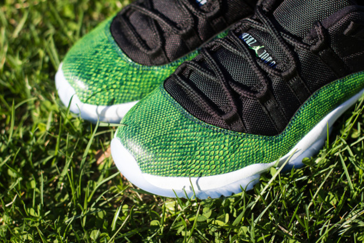 "Air Jordan 11 Low - ""Green Snake/Nightshade"" 