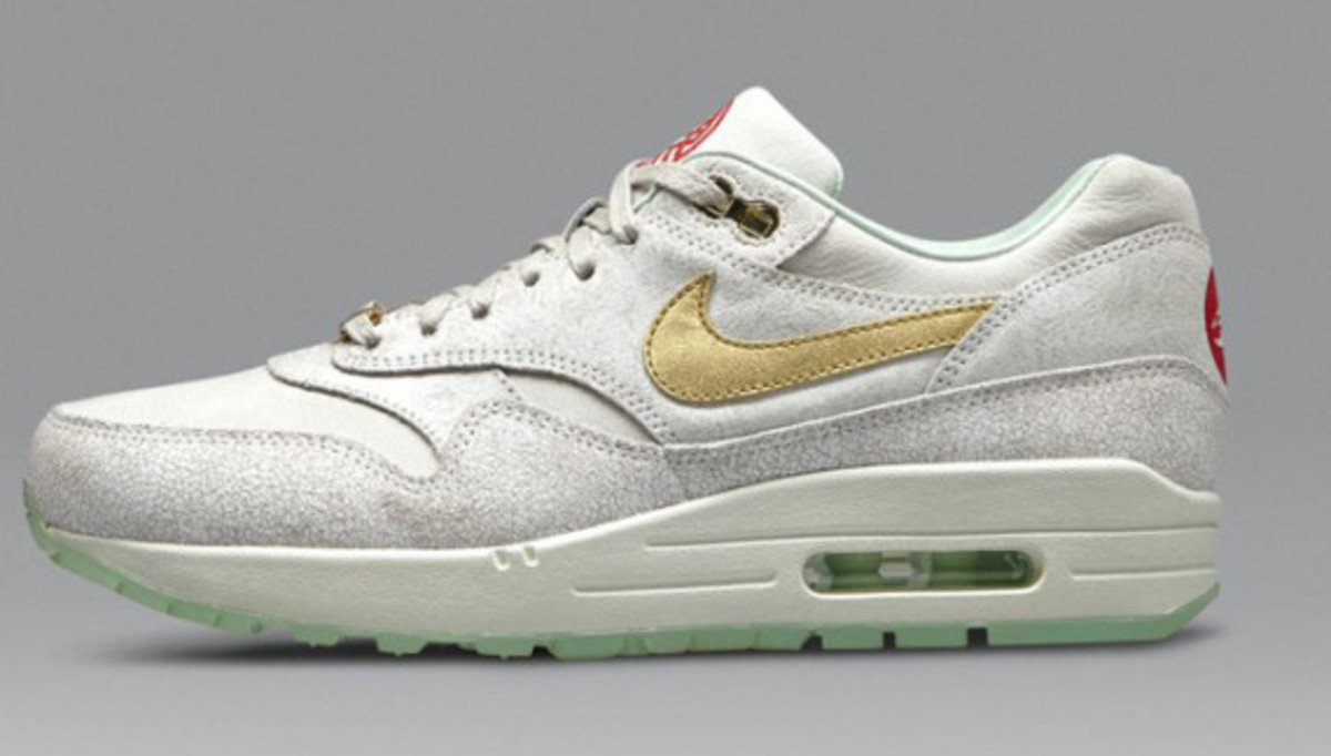nike-wmns-air-max-1-year-of-the-horse-nike-store-release-info-02