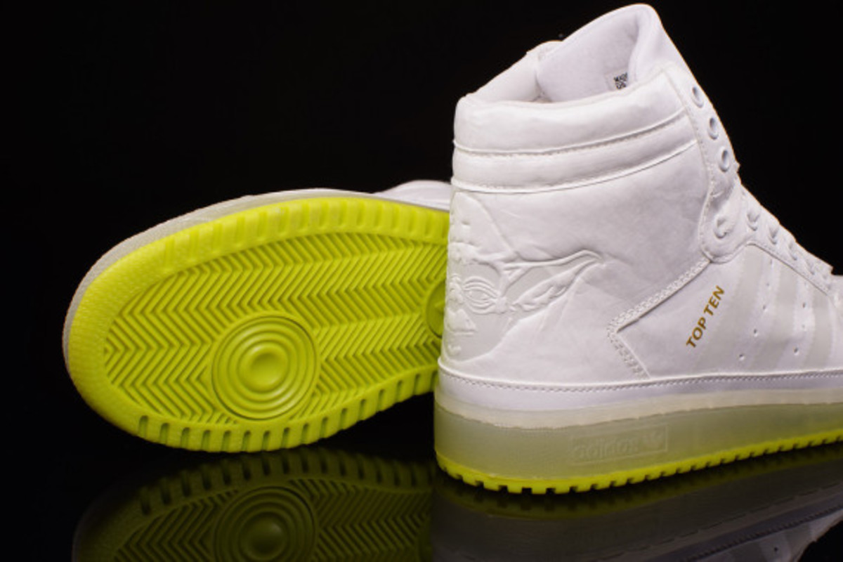 "Star Wars x adidas Originals Top Ten Hi Kids - ""Yoda"" Glow-in-the-Dark - 4"