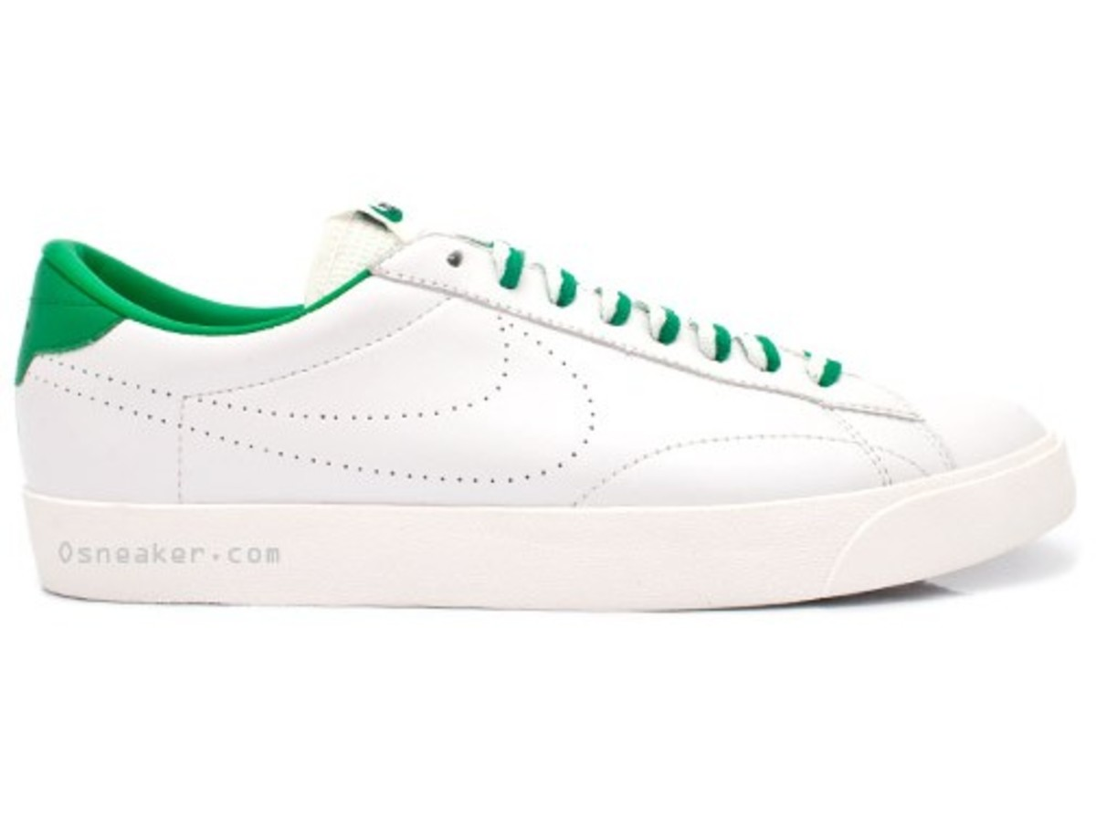 nike-tennis-classic-ac-nd-white-lucky-green-1