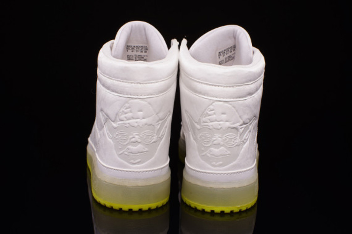 "Star Wars x adidas Originals Top Ten Hi Kids - ""Yoda"" Glow-in-the-Dark - 3"