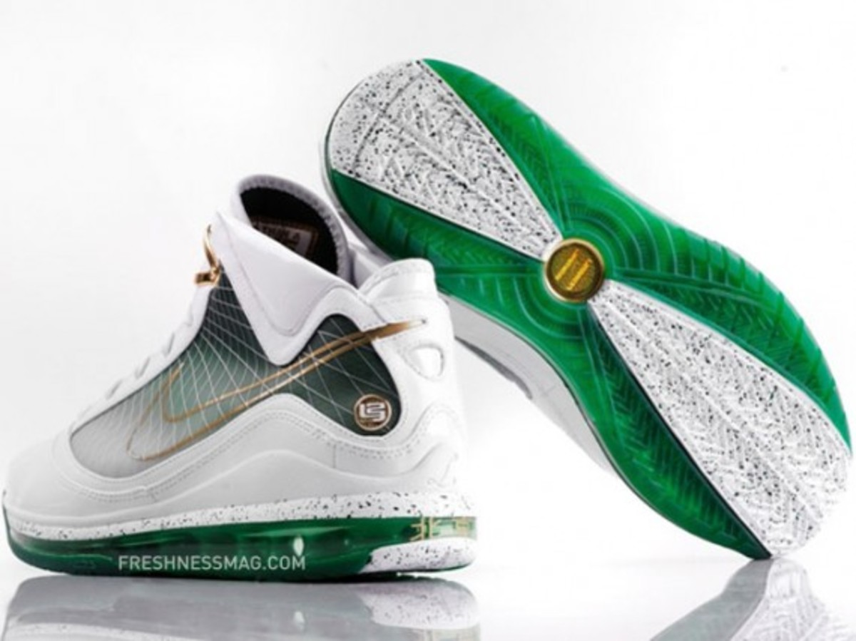 nike-air-max-lebron-vii-beijing-china-02