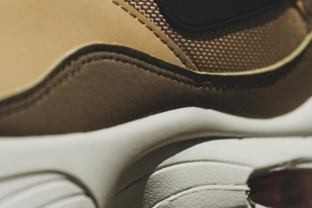 nike-air-max-93-holiday-2014-releases-04