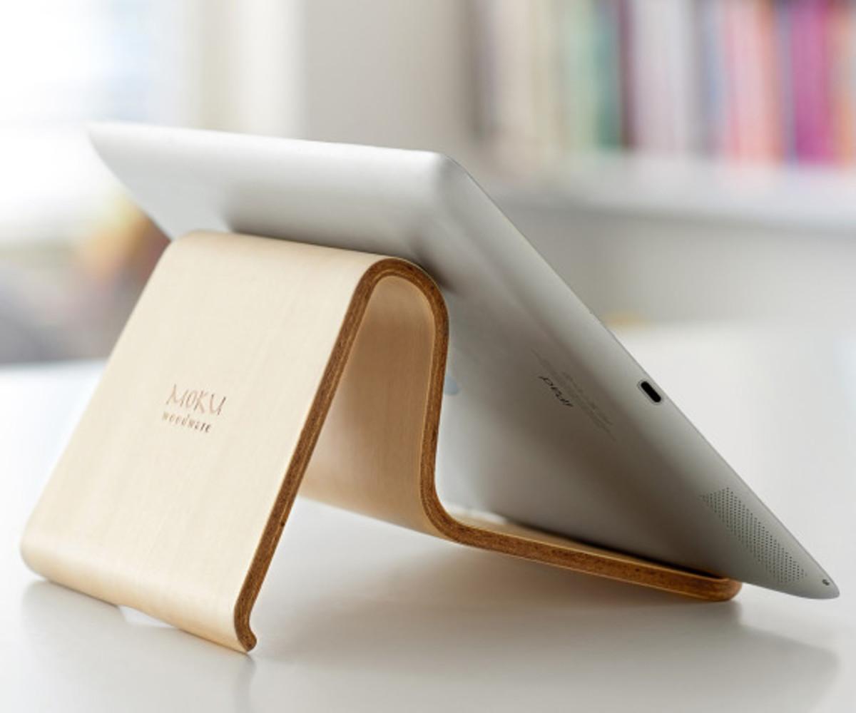 MOKU - Desktop Chair v2 Wooden Stand for iOS Devices - 1