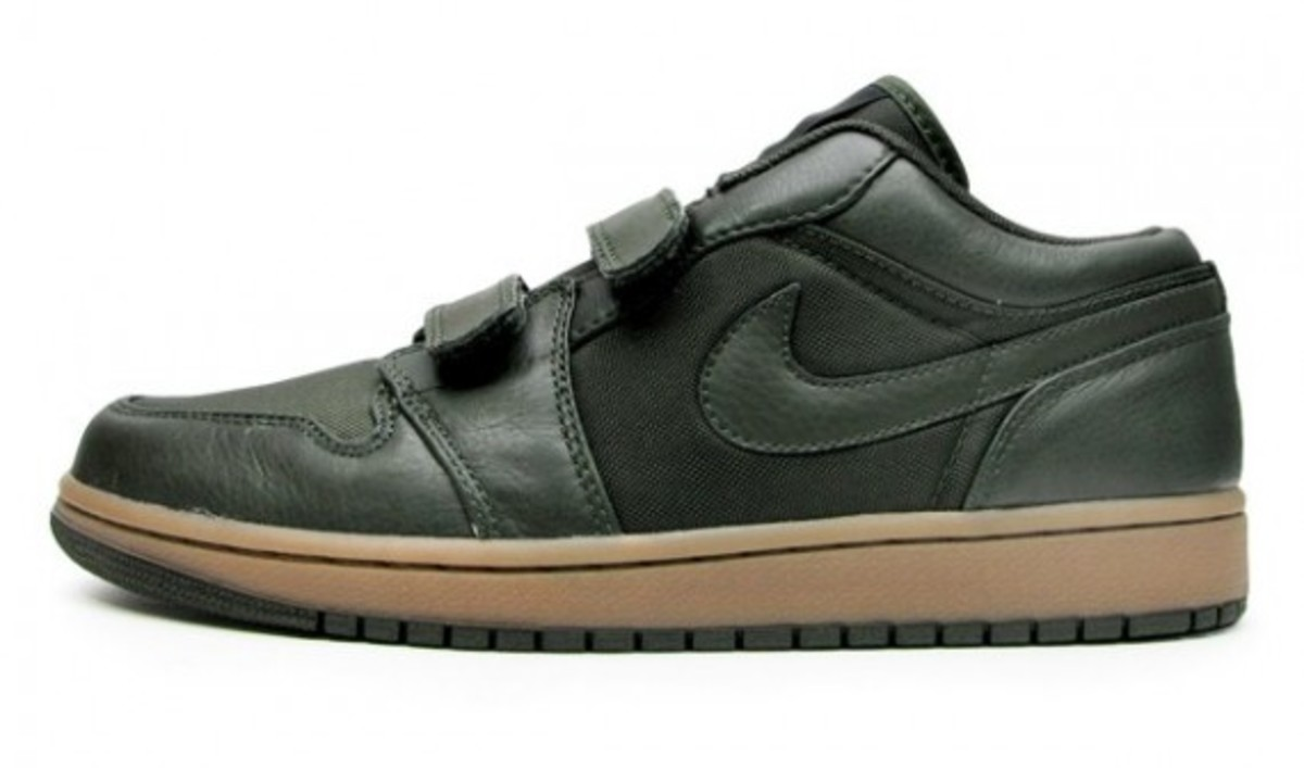 jordan_1_velcro_low_black_1