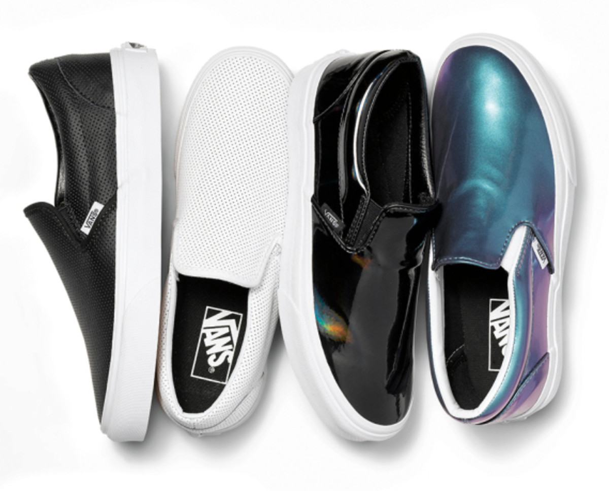 vans-womens-classic-slip-ons-holiday-2014-02