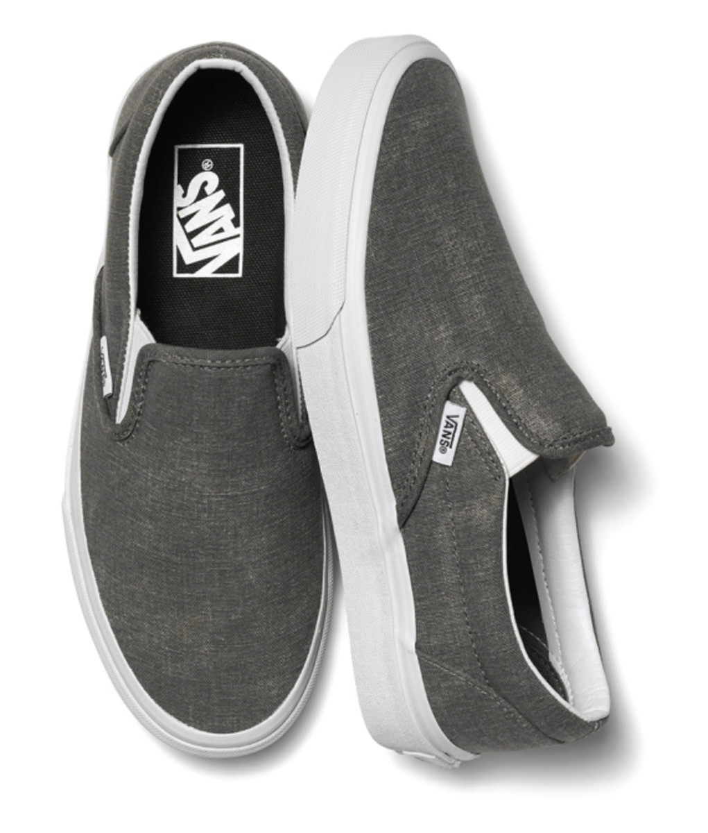vans-womens-classic-slip-ons-holiday-2014-10