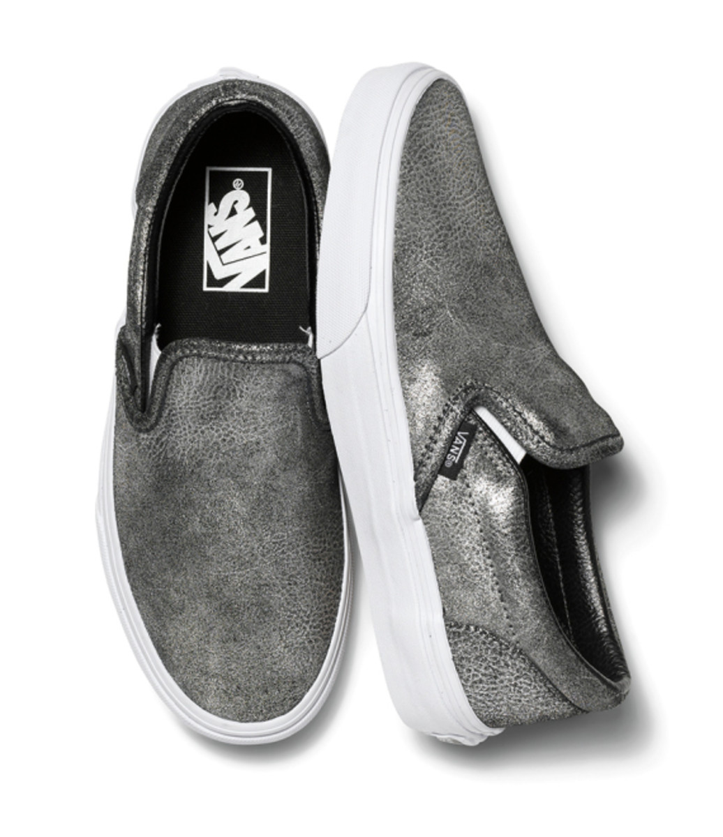 vans-womens-classic-slip-ons-holiday-2014-15