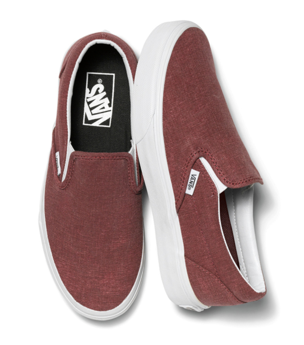 vans-womens-classic-slip-ons-holiday-2014-11