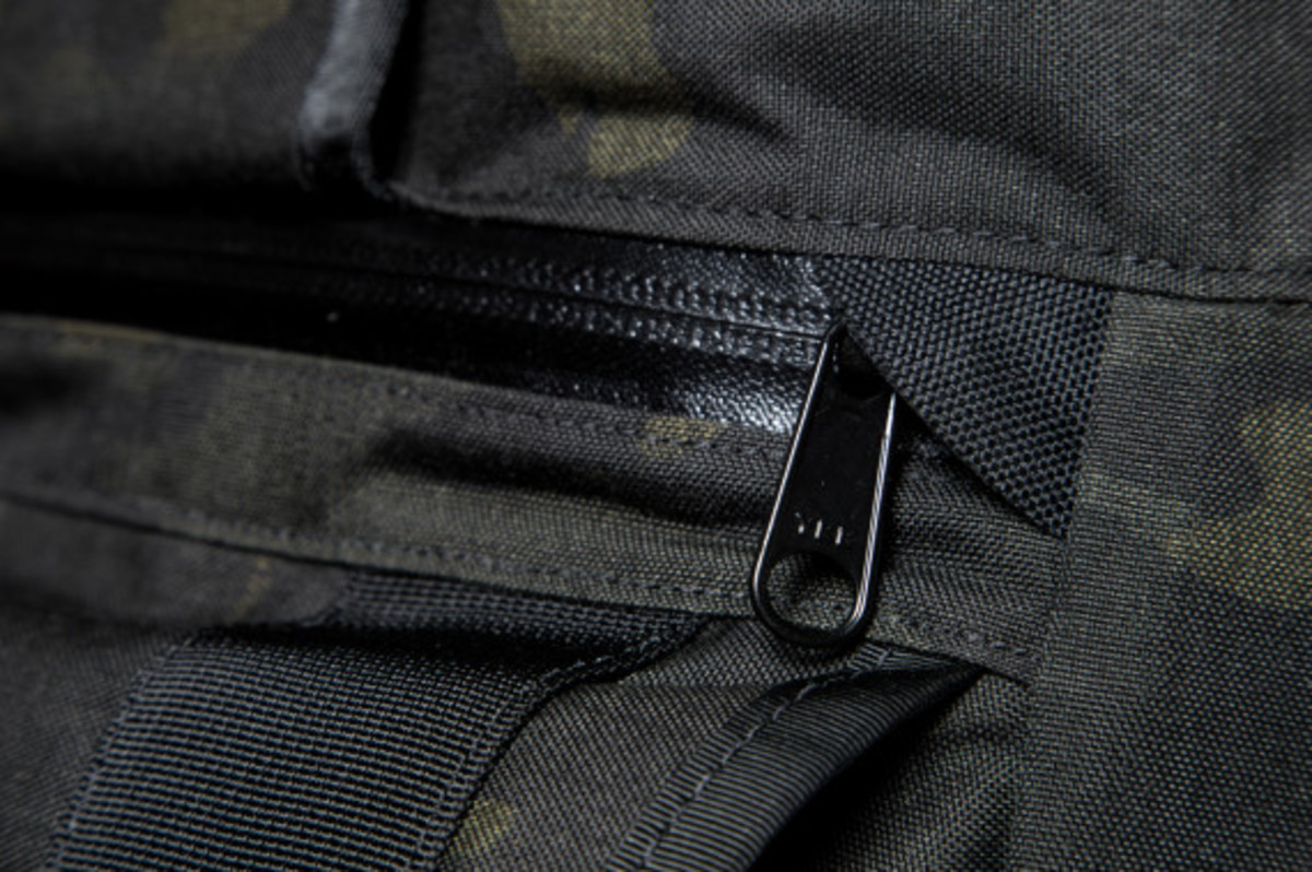 MISSION WORKSHOP - Black Camo Series Limited Edition Messenger Bag - 7