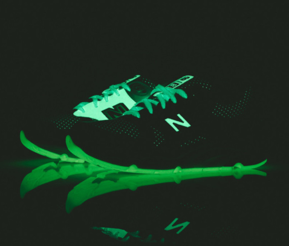 "Barneys New York x New Balance CM1700 - ""Glow-In-The-Dark"" 
