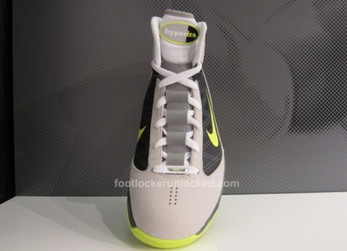 1d8821059 Nike Hyperize Supreme Decades Pack