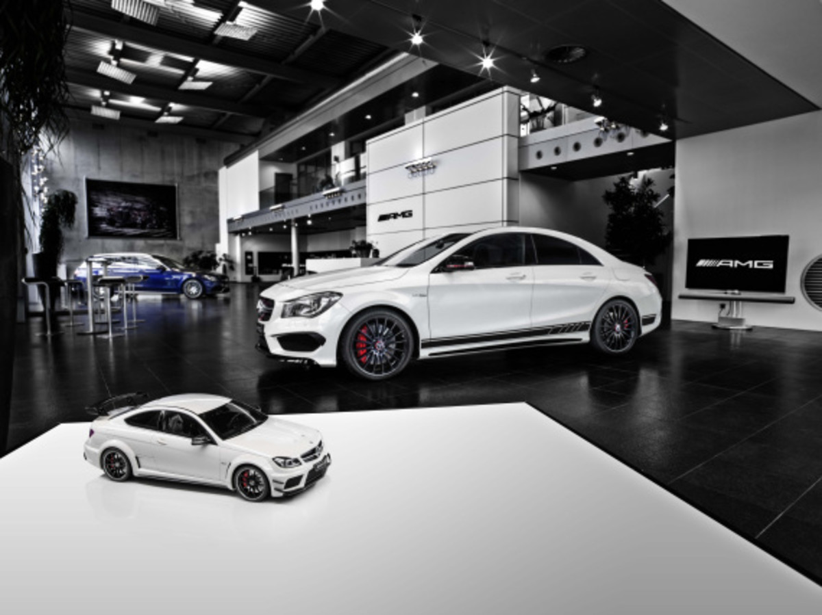 "Mercedes AMG - Limited Edition ""White Series"" Scale Model Cars - 5"