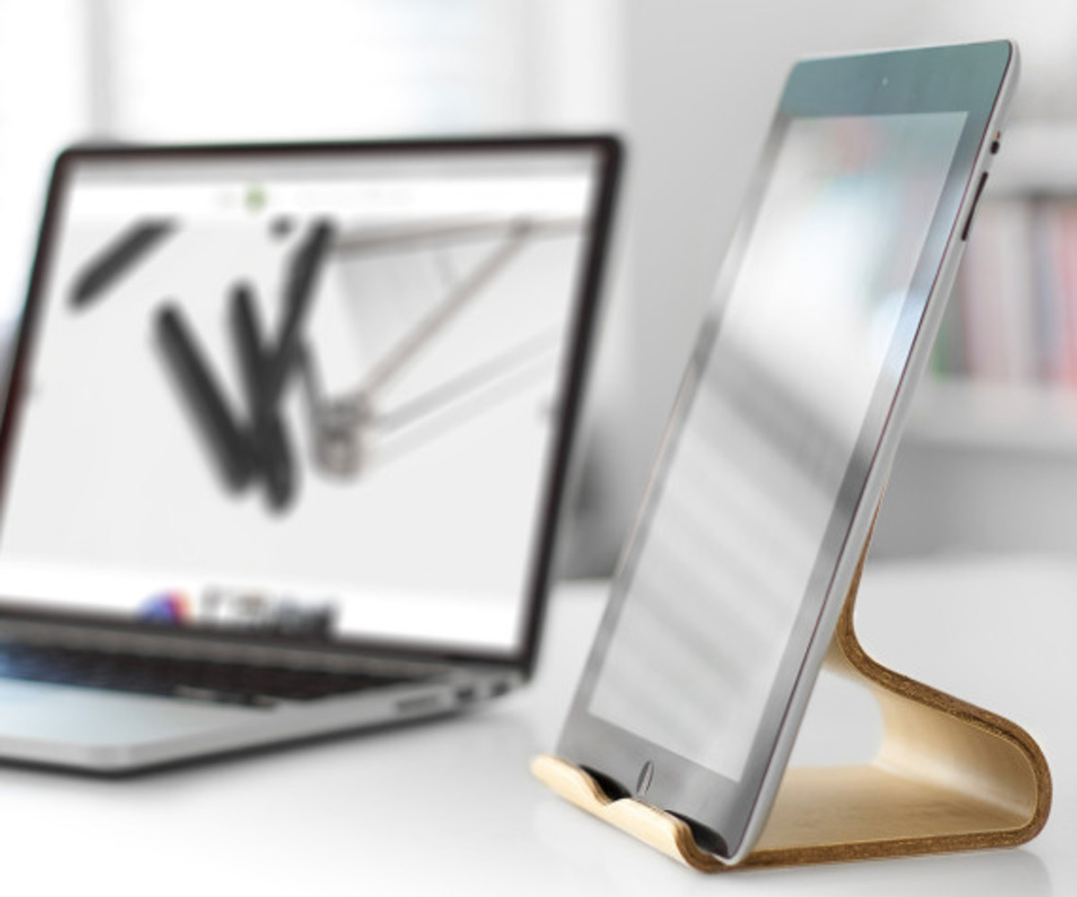 MOKU - Desktop Chair v2 Wooden Stand for iOS Devices - 2
