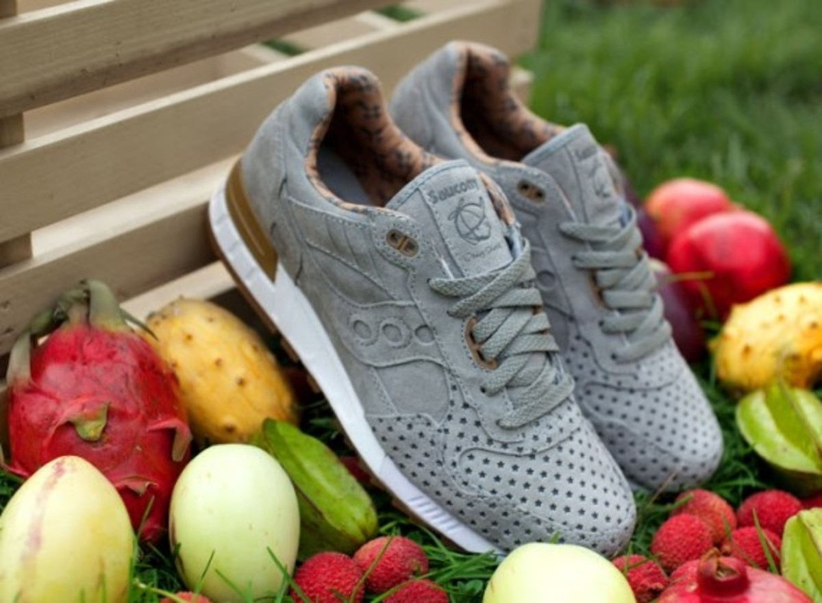 """Play Cloths x Saucony Shadow 5000 """"Strange Fruit"""" Pack - 7"""