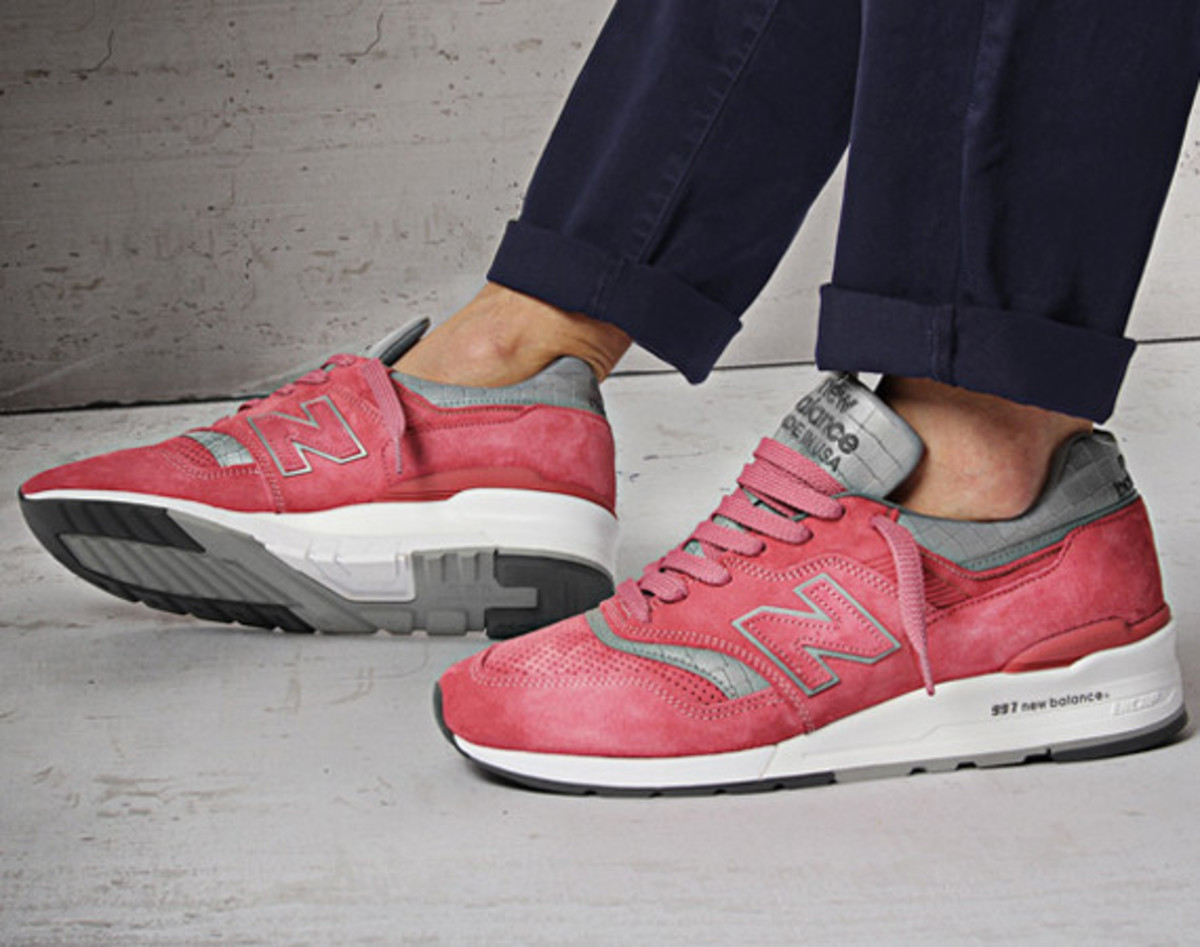 concepts-new-balance-997-rose-video