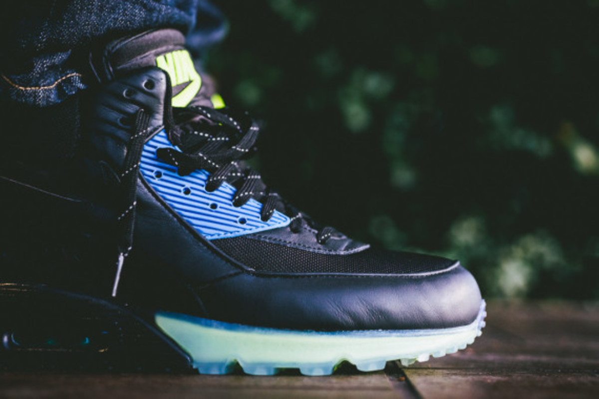 Nike Air Max 90 ICE Sneakerboot - Black/Photo Blue | Available Now - 3