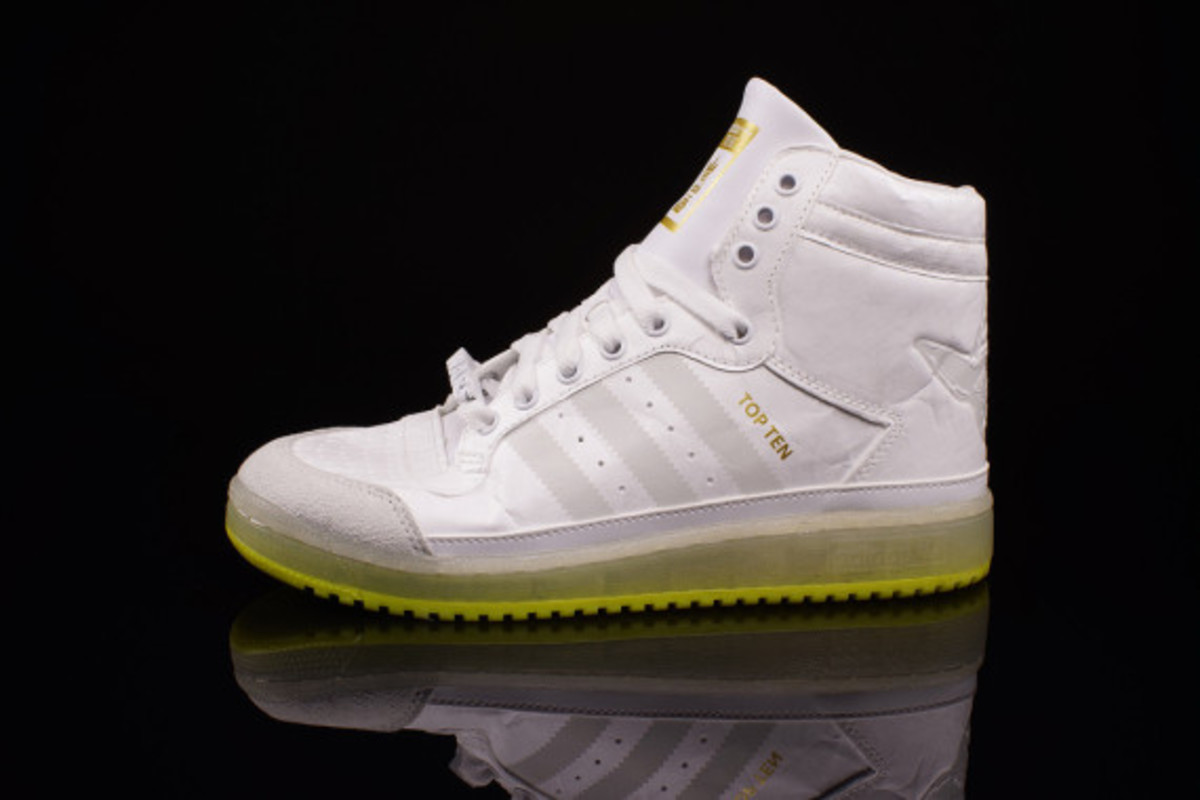 "Star Wars x adidas Originals Top Ten Hi Kids - ""Yoda"" Glow-in-the-Dark - 1"