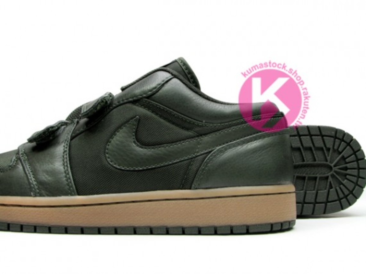 jordan_1_velcro_low_black_3