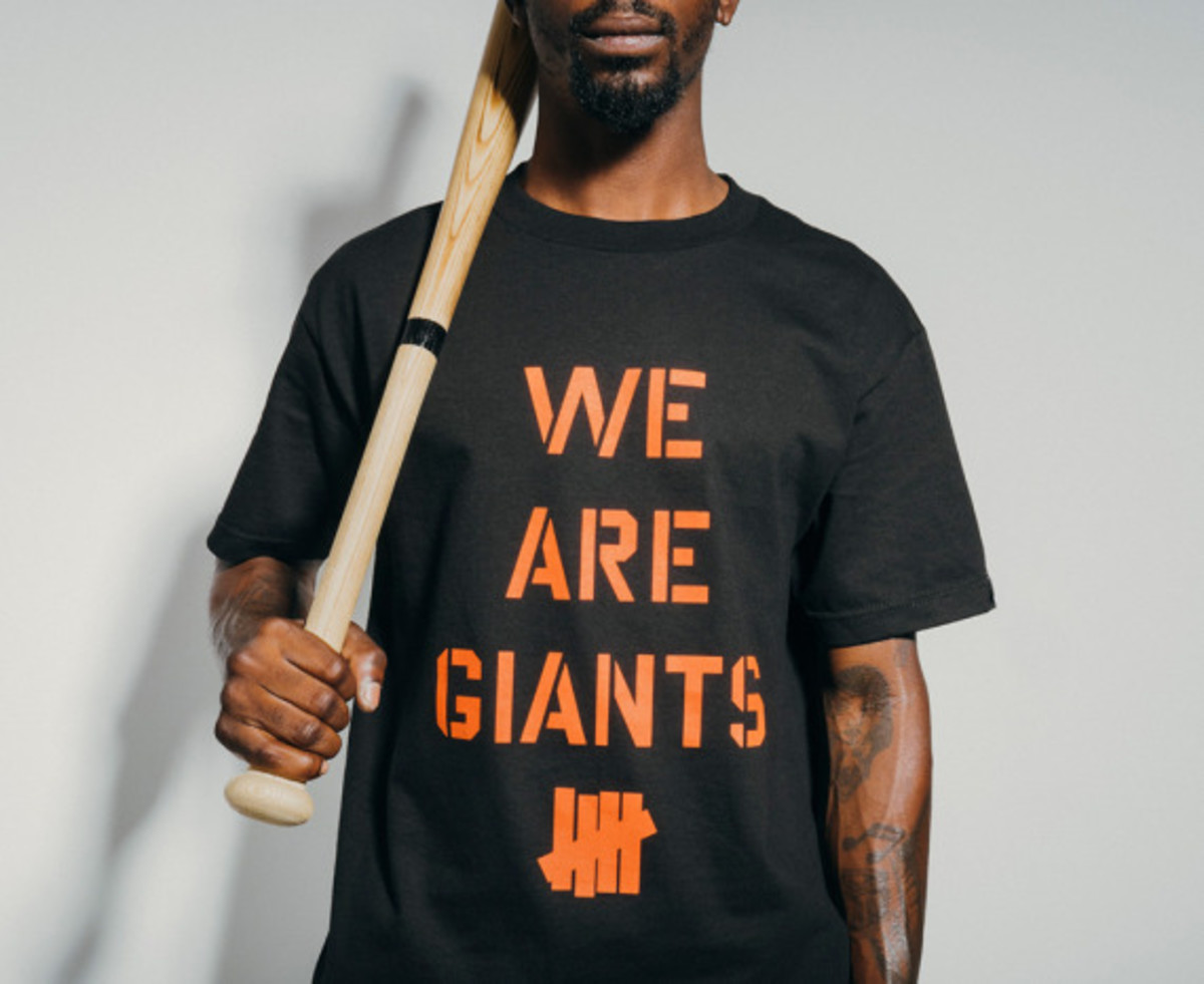 "UNDEFEATED - ""We Are Giants"" T-Shirt - 0"