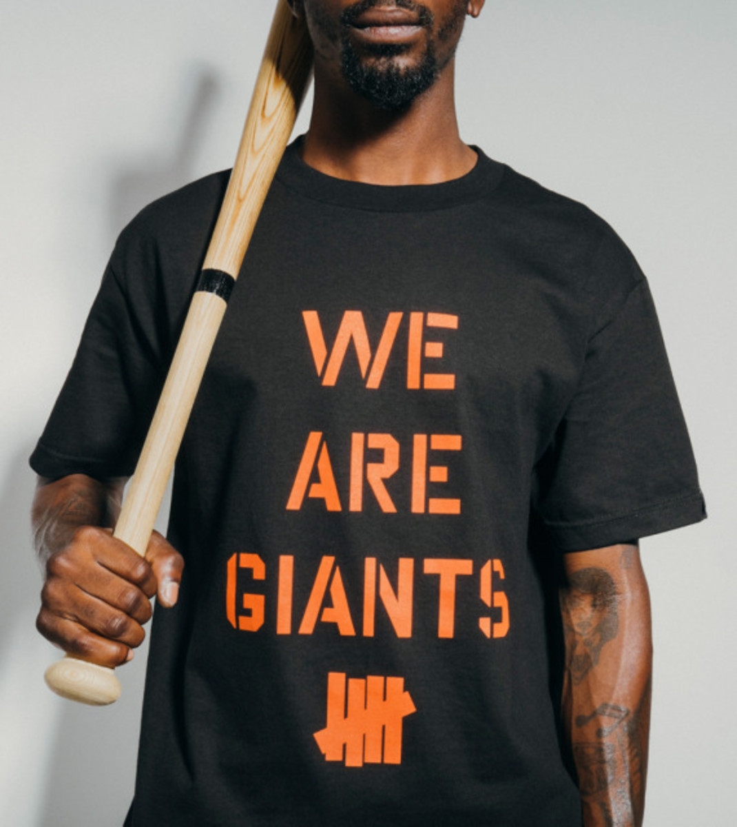 "UNDEFEATED - ""We Are Giants"" T-Shirt - 1"