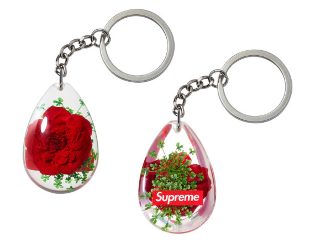 supreme-spring-summer-2015-accessories-collection-23