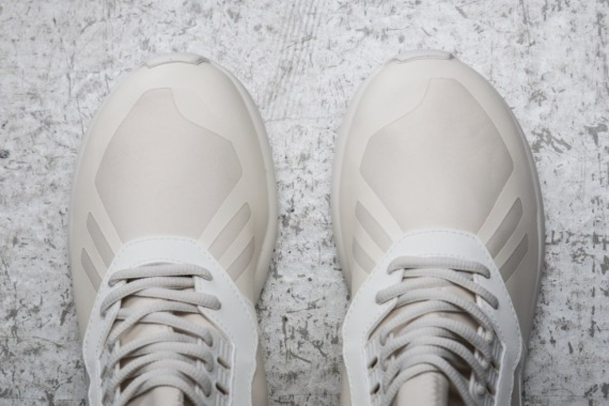 sneakersnstuff-adidas-originals-shades-of-white-pack-19