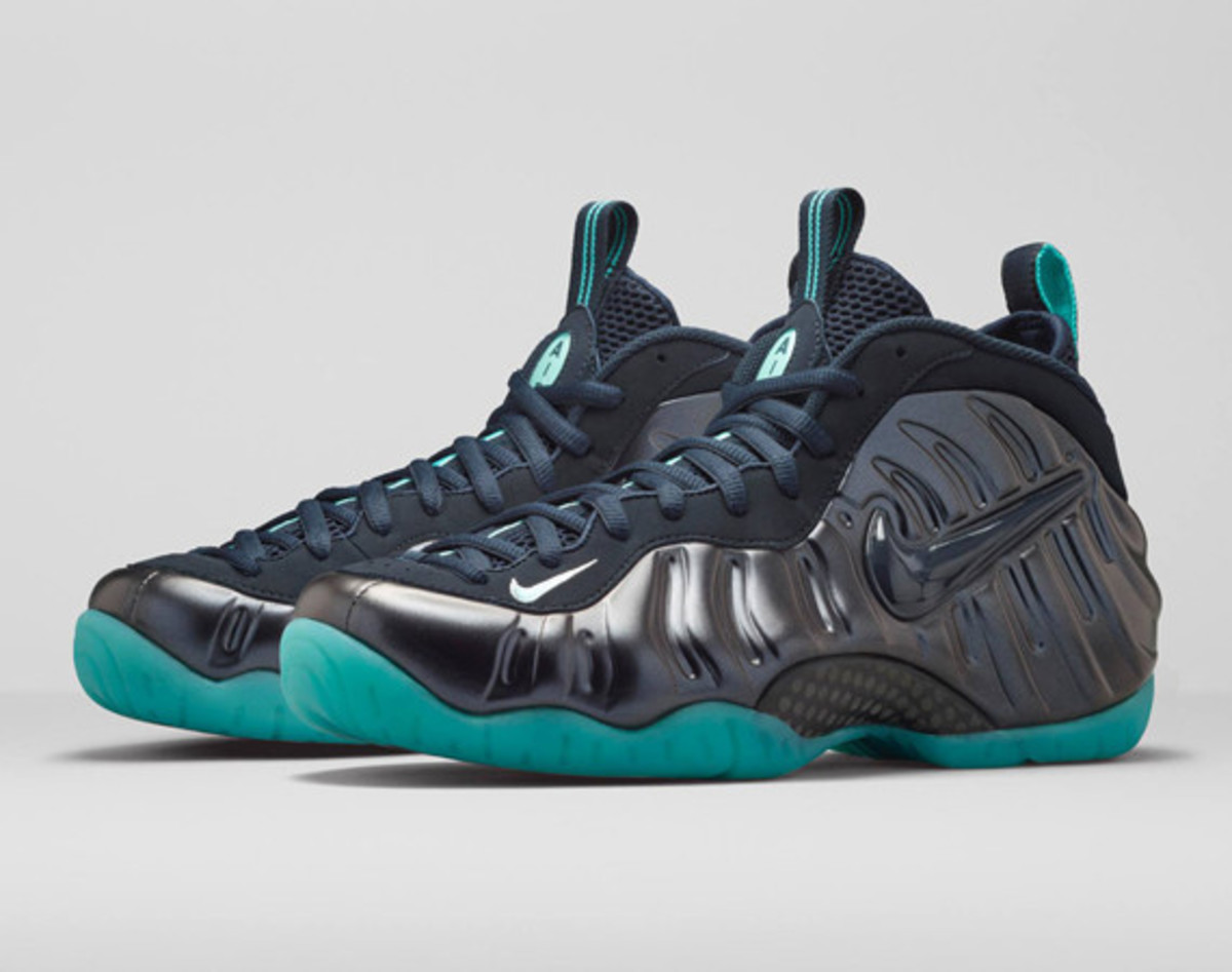 nike-air-foamposite-pro-dark-obsidian-01