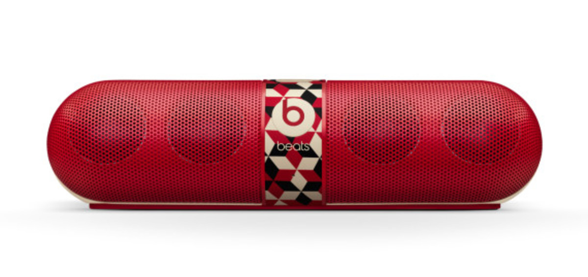 barry-mcgee-beats-by-dre-pill-speaker-03