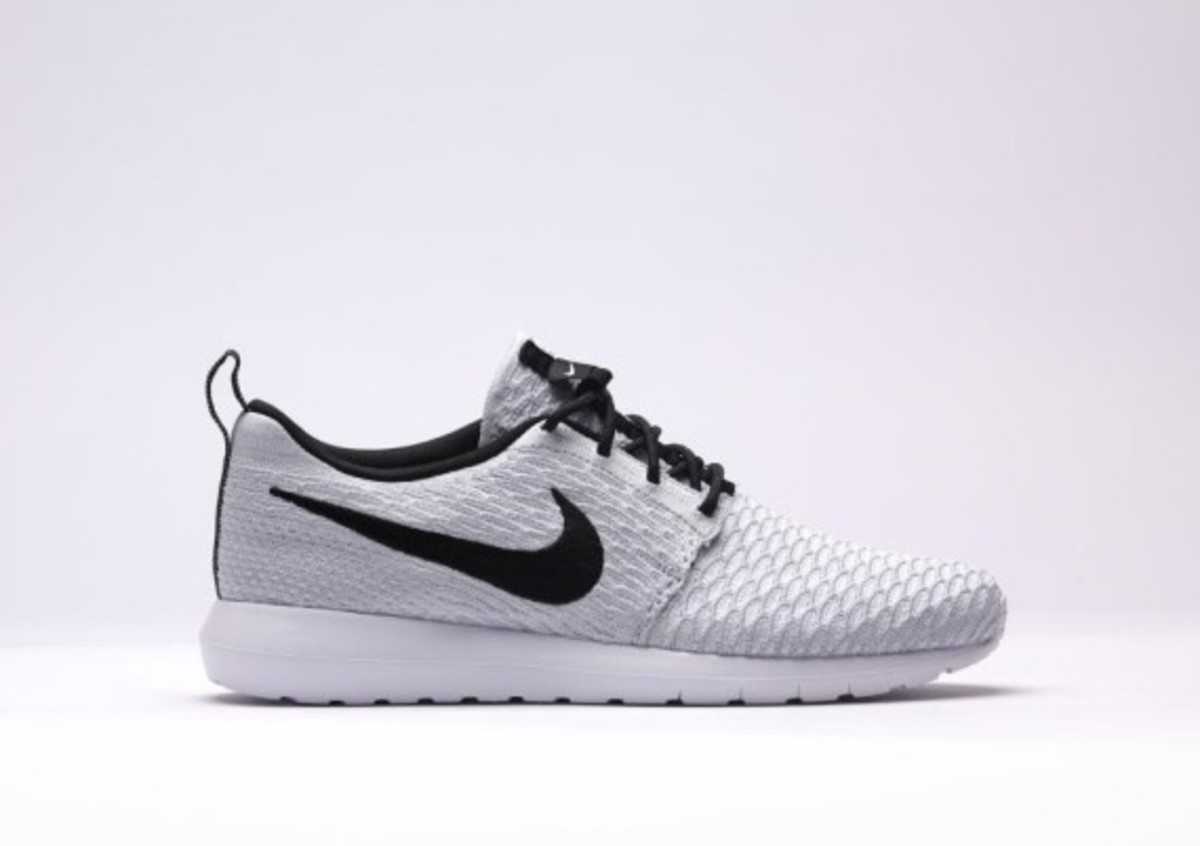 Nike Roshe Exécuter Gris Loup Flyknit YdlV7