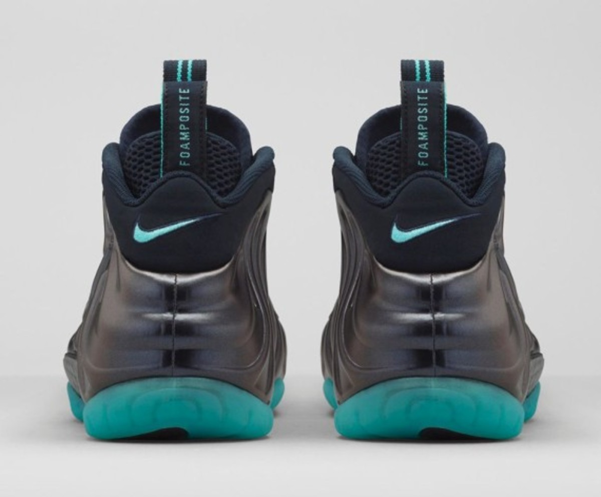 nike-air-foamposite-pro-dark-obsidian-05