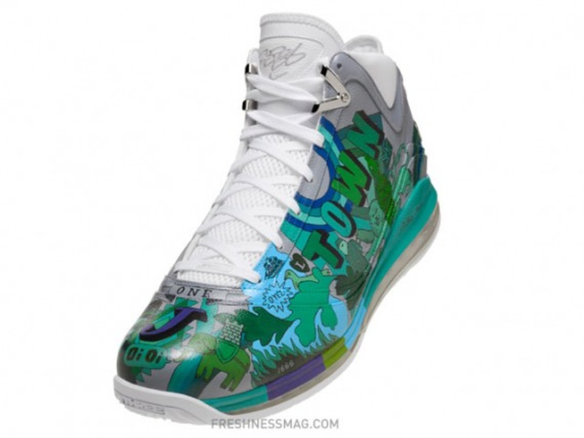 nike-air-max-lebron-vii-london-artist-02