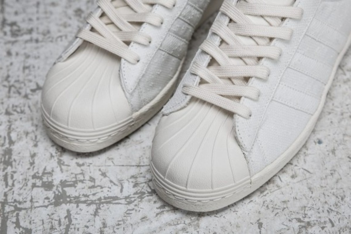 sneakersnstuff-adidas-originals-shades-of-white-pack-09