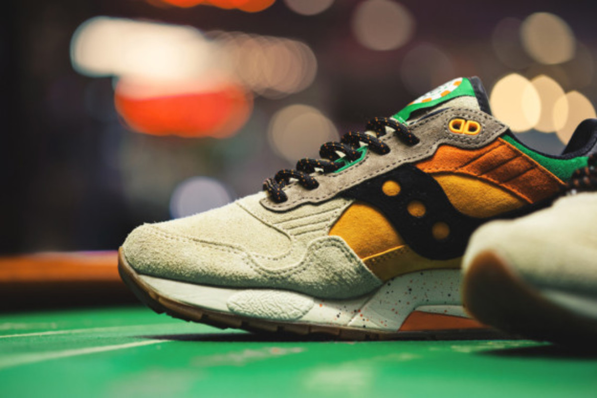 feature-saucony-g9-shadow-5-the-pumpkin-04
