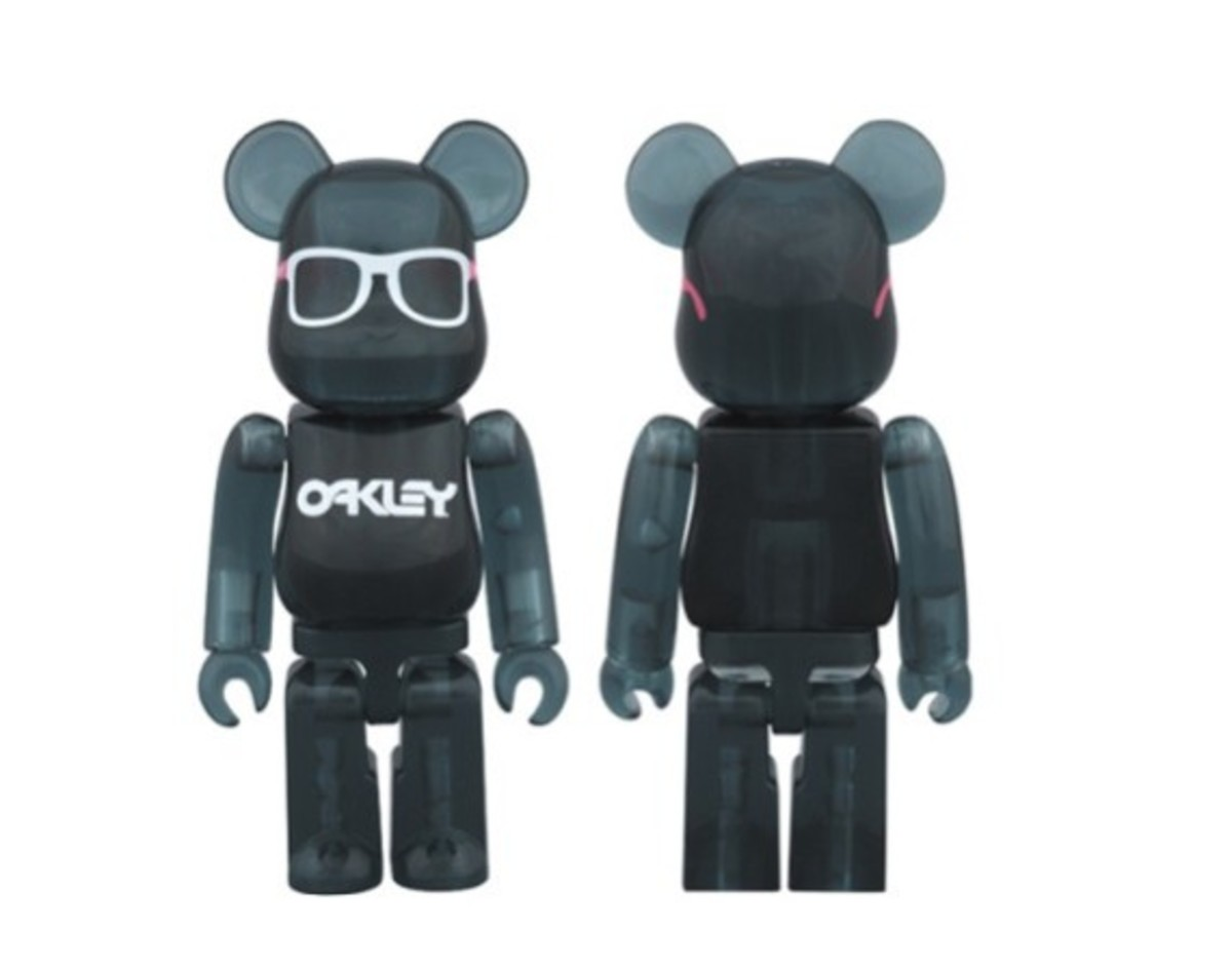 Medicom Toy x Oakley Frogskins Bearbrick for BEAMS - 0
