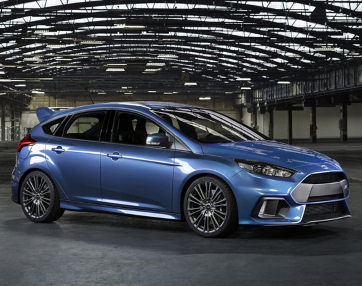 2016-ford-focus-rs-00