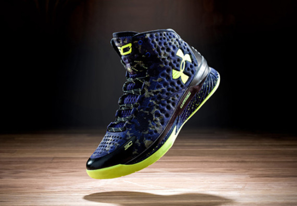 under-armour-curry-one-charged-by-belief-02