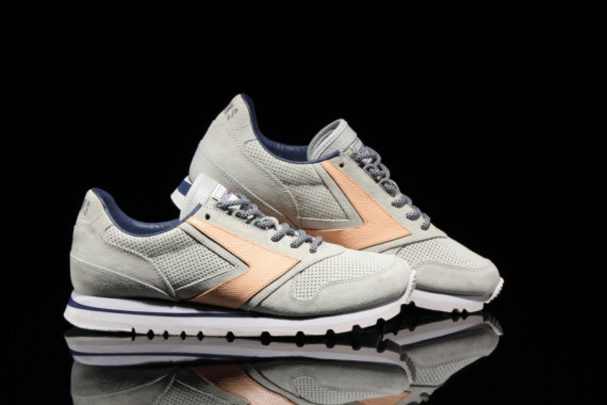 brooks-heritage-atmos-pacific-chariot-01