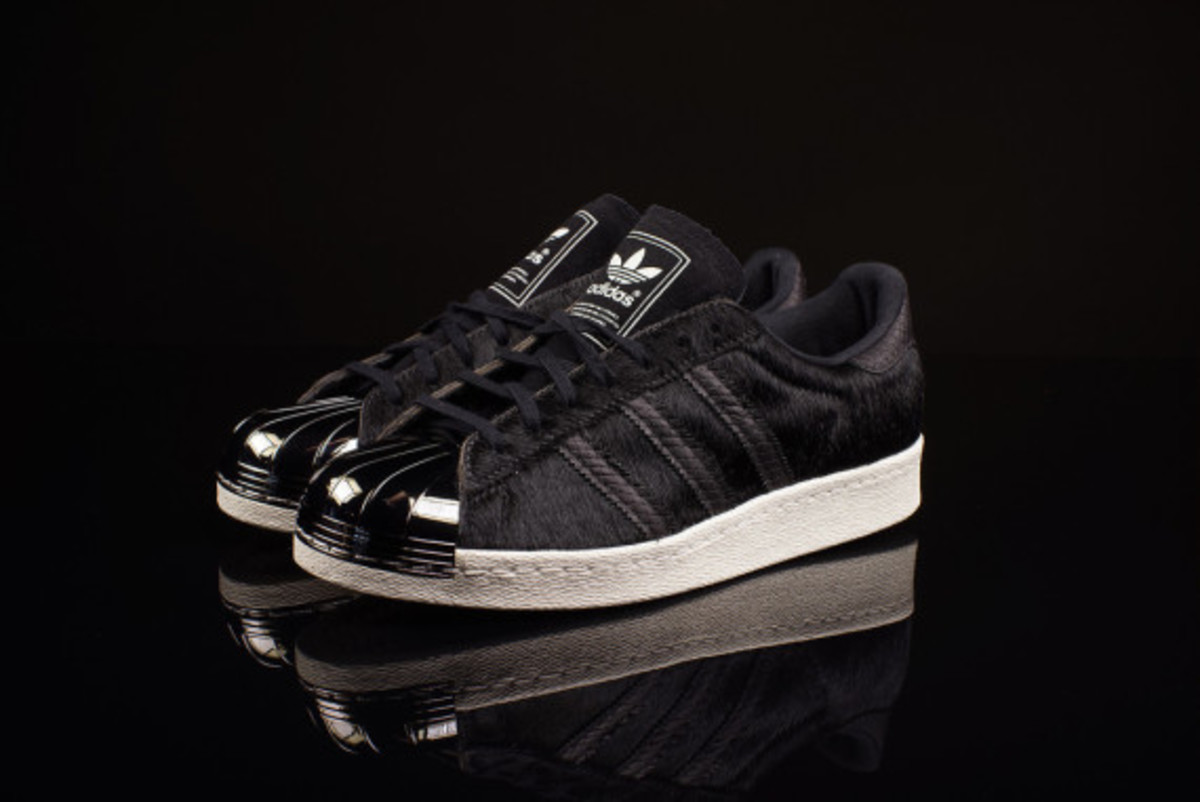 adidas-originals-80s-superstar-metal-toe-pony-hair-06