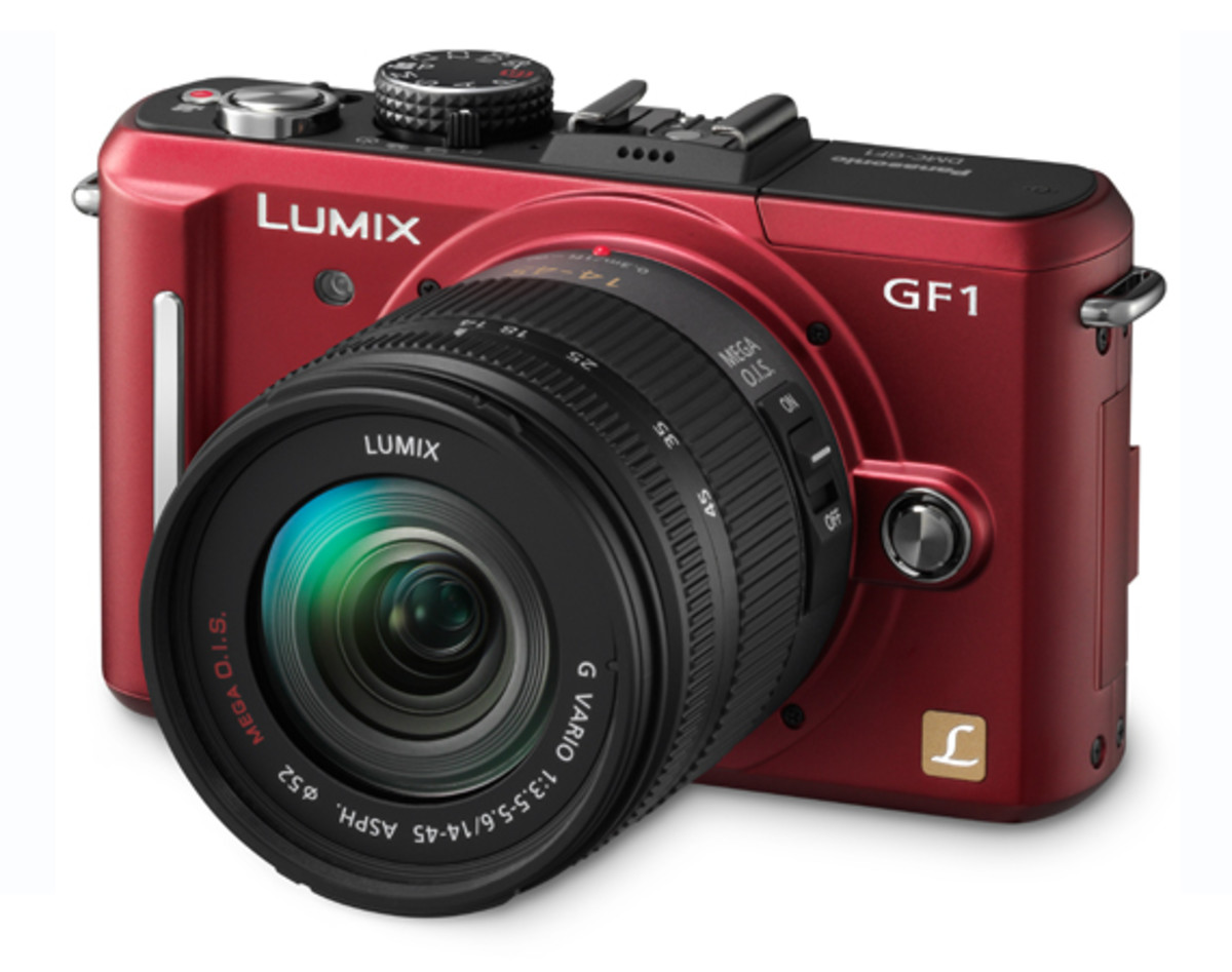 Panasonic LUMIX DMC-GF1 Red w. 14-45mm f/3.5-5.6 Lens