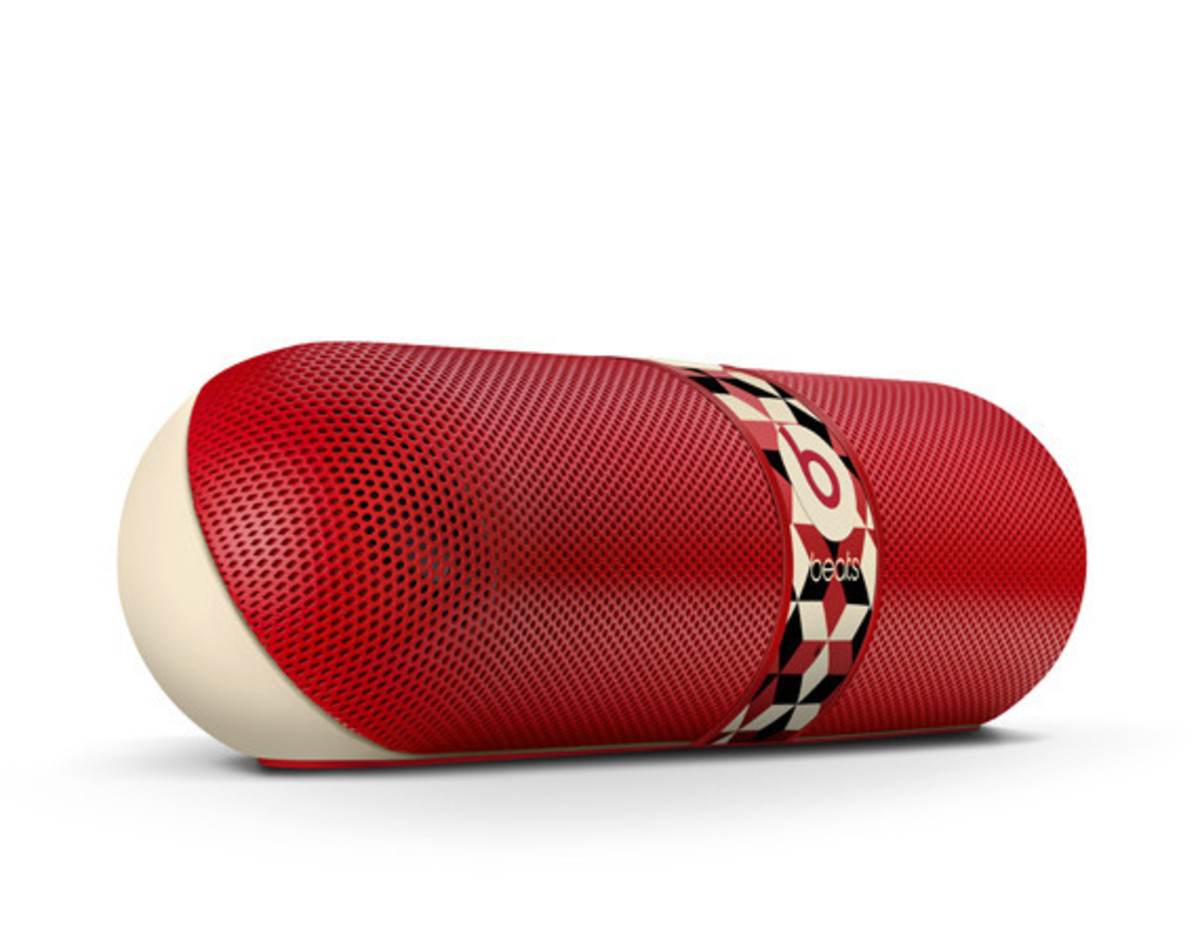 barry-mcgee-beats-by-dre-pill-speaker-01