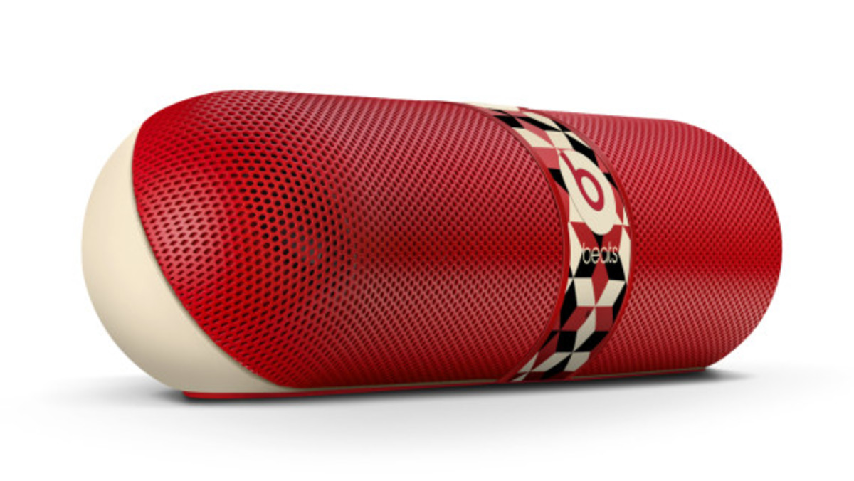 barry-mcgee-beats-by-dre-pill-speaker-05