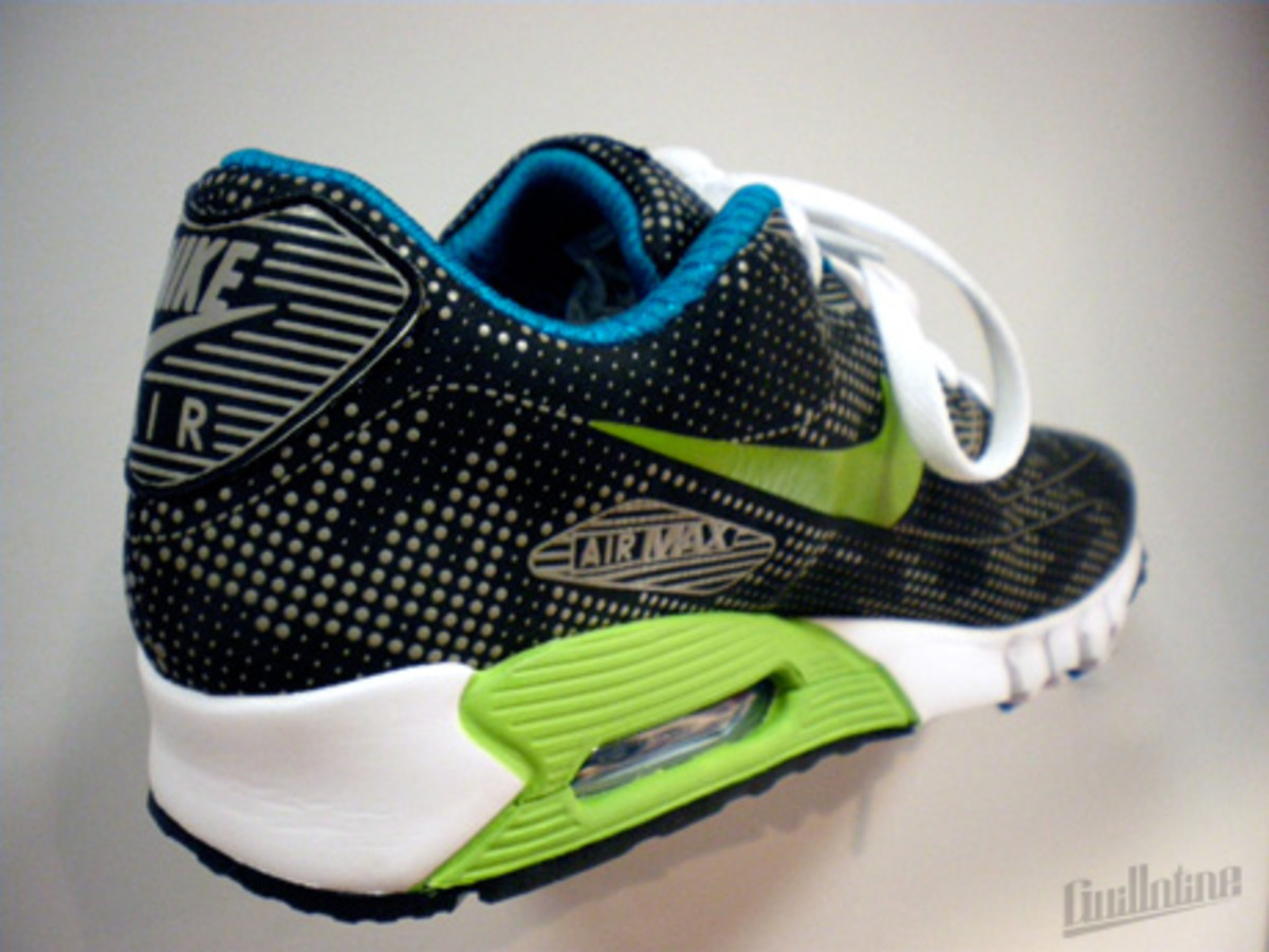 nike_airmax90_currentmoire_green_1