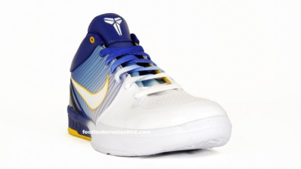 nike_kobe_iv_white_gold_purple_2