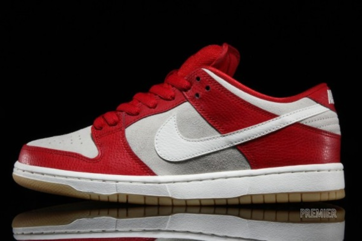 nike-sb-dunk-low-2015-valentines-day-02