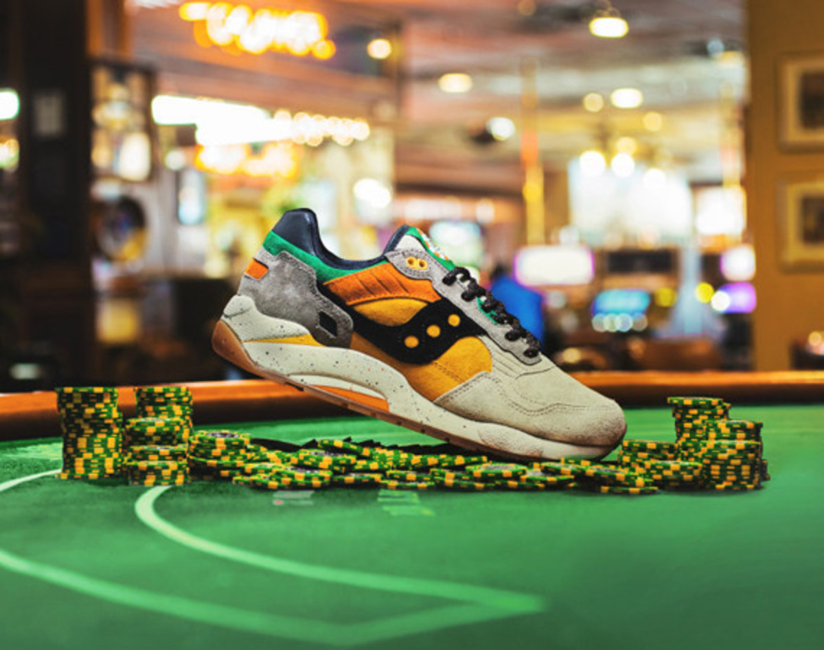 feature-saucony-g9-shadow-5-the-pumpkin-01