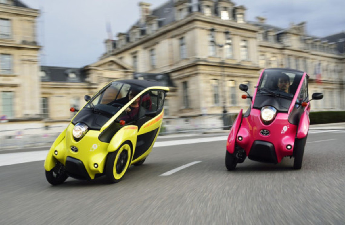 Toyota i-Road - On the Streets of France - 5
