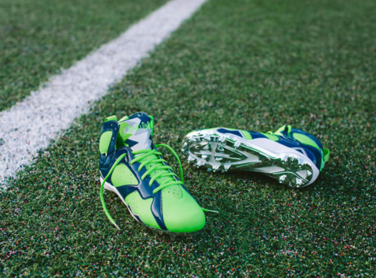 earl-thomas-air-jordan-7-super-bowl-cleats-07